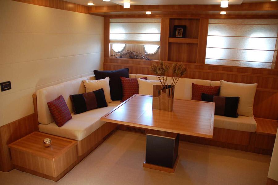 Munari divani interni per imbarcazione arredamento for Cretonne per arredamento e tappezzerie